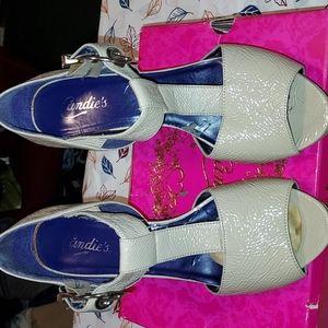 3 for 20$ A pair Candies primp heels